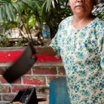 Repas de rue - Femme aux sates - Seminyak - Bali