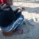 A meme le sable - Vendeuse de poisson - Kafountine - Senegal