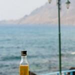 Flacon huile d'olives au thym   - village cotier Plakias -  Cret