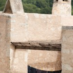 Sechage des tenues clericales d'ebene au monastere Arkadiou - Cr