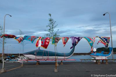 Baleine et baleineau - Kujira matsuri - Osatsu - Japon