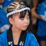 Fillette au hachimaki a pois - Kujira matsuri - Osatsu - Japon