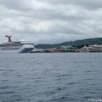 Un bateau de croisiere grand comme la ville de Roseau - La Domin