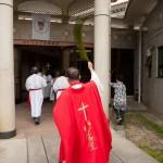 Suivez le prêtre - Okinawa