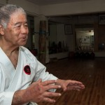 Morio Higaonna dans son dojo - Naha - Okinawa
