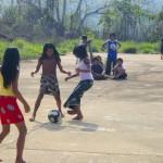 Terrain de foot en forêt d'Amazonie - Guyane