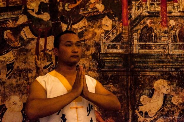 Li se fond dans l''histoire du Kung fu Shaolin - Chine
