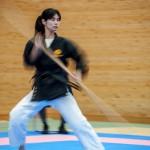Compétitrice de Bo au Karate Kaikan - Naha  Okinawa